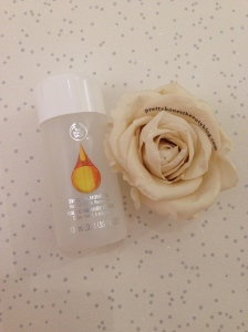 The Body Shop Sweet Almond Oil Nail Varnish review