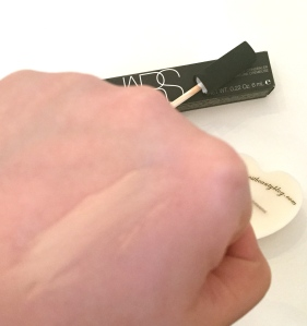 NARS Radiant Creamy Concealer swatch - Review