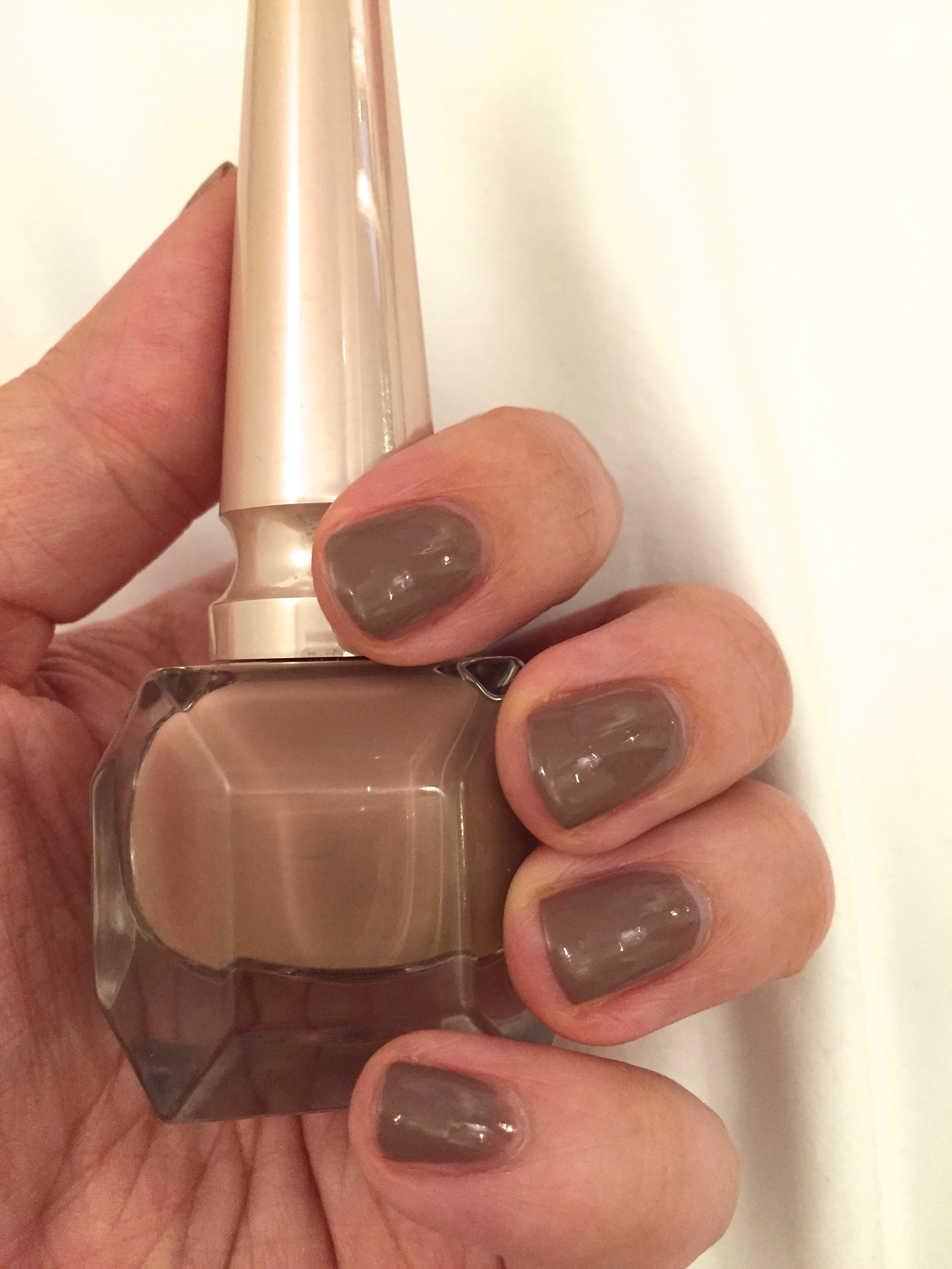 Christian Louboutin Me Nude Nail Colour- Review and Swatch ...