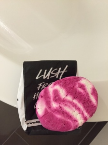 Lush The Comforter Bubble Bar Review