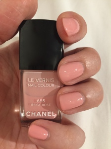 Chanel Le Vernis 655 Beige Rose Le Vernis Nail Colour Review Swatch