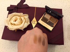 Charlotte Tilbury The Sophisticate Palette Eyeshadow swatch
