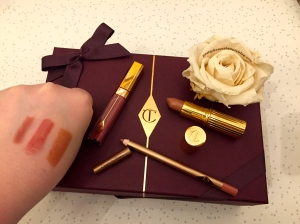Charlotte Tilbury K.I.S.S.I.N.G Lipstick Hepburn Honey Swatch Review Lip Cheat, Re-size and Re-Shapr Lipliner in Pillow Talk Review and Swatch and Lip Lustre Lipgloss in High Society