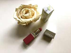 Clinique Lipstick Plum Pop 14  Review Swatch