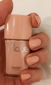 Bourjois La Lacque Nail Polish Nail Varnish Chair et tendre 02 swatch review