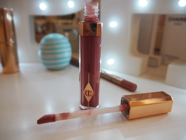 How I enhance my lips Charlotte Tilbury Bitch Perfect Lipstick Pillow Talk Lip Cheat High Society Lip Lustre Review Swatch