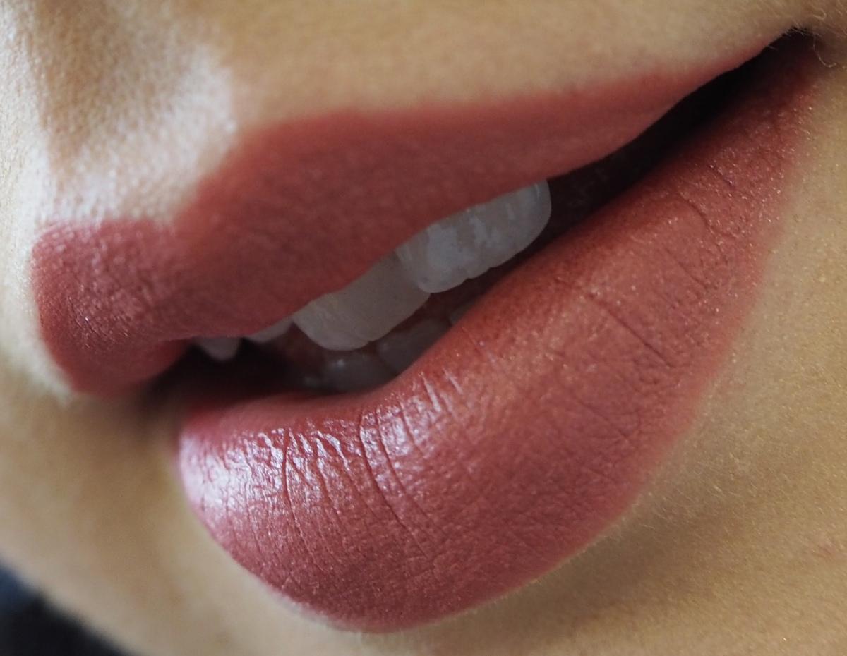 Kat Von D Studded Kiss Lipstick Magick Review Swatch